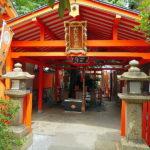 大阪商人のひとからは、集金の守護神として信仰されている。住吉大社の末社 「大歳社」