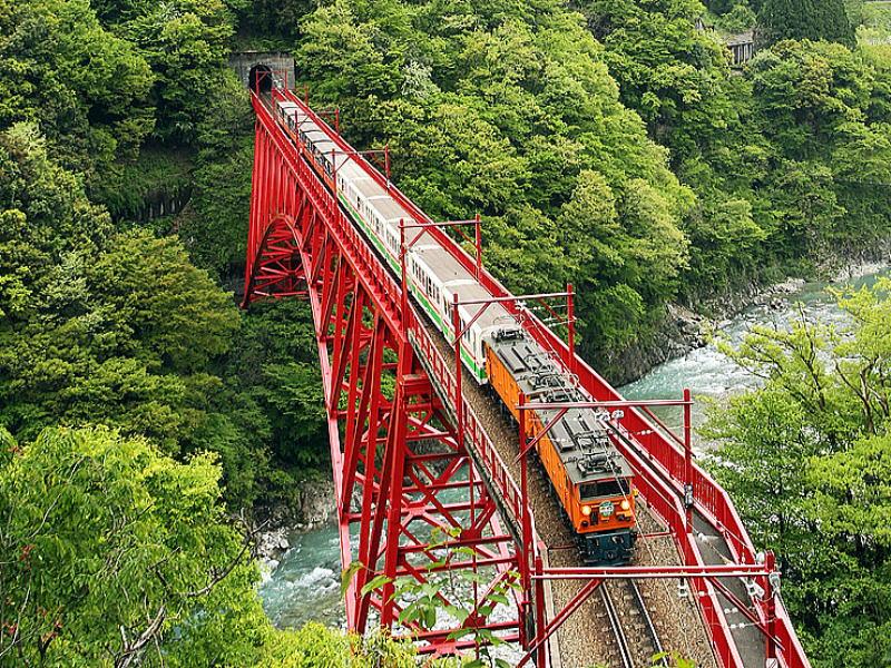 黒部峡谷トロッコ電車