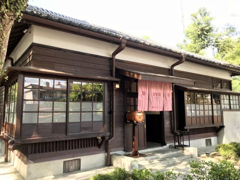 大渓老街の南側に残る日本統治時代の建物に歴史を感じる。