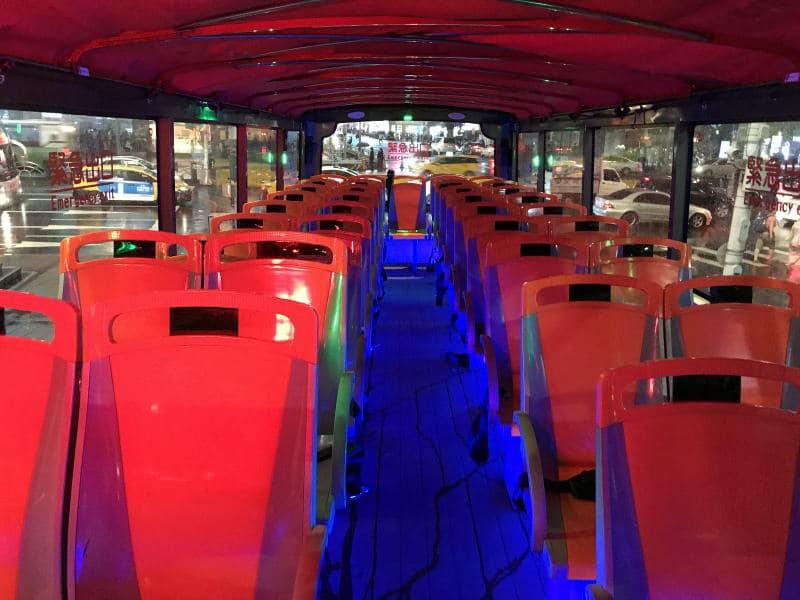 2階建てバス後方部分
