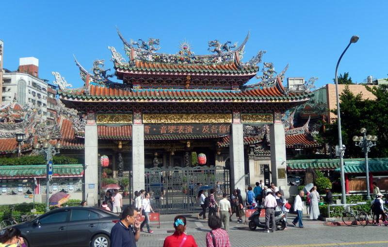 台北・最強のパワスポ「龍山寺」、きちんとした参拝でかなり強いパワーを受けましょう!